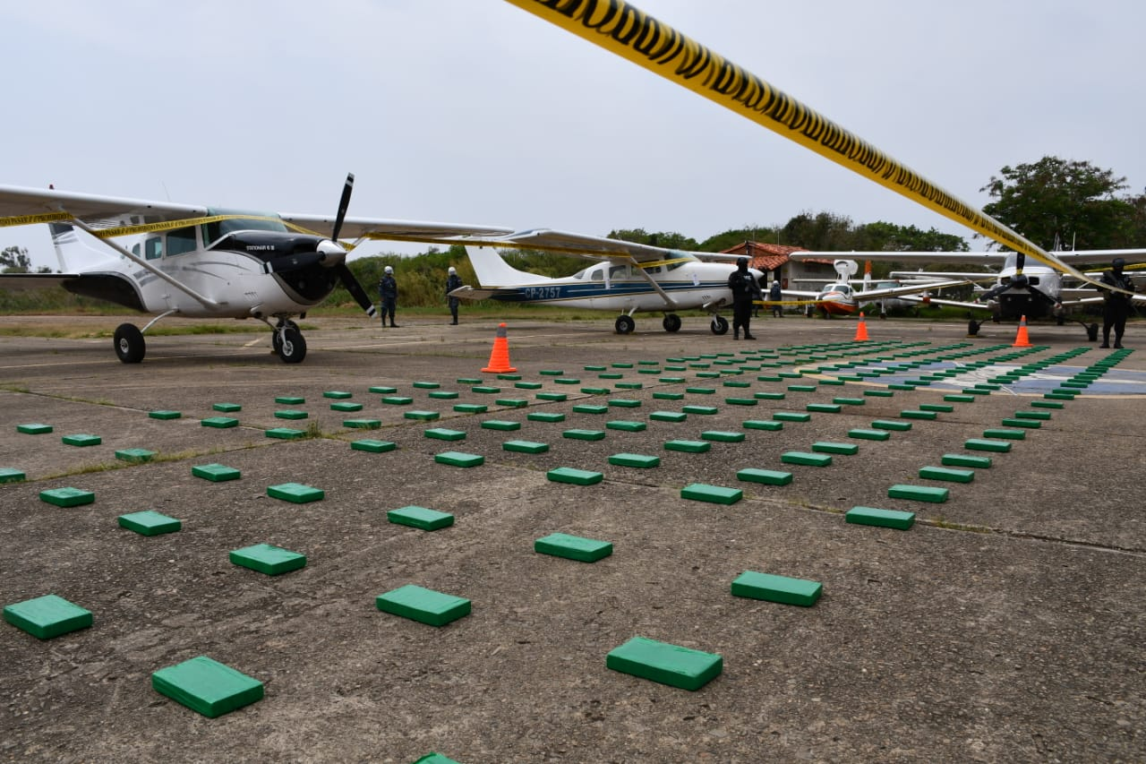 Counter-narcotics operations yield five planes and 288 kilos of cocaine in Bolivia